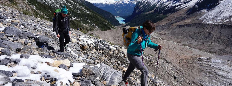 2 people mountain climbing